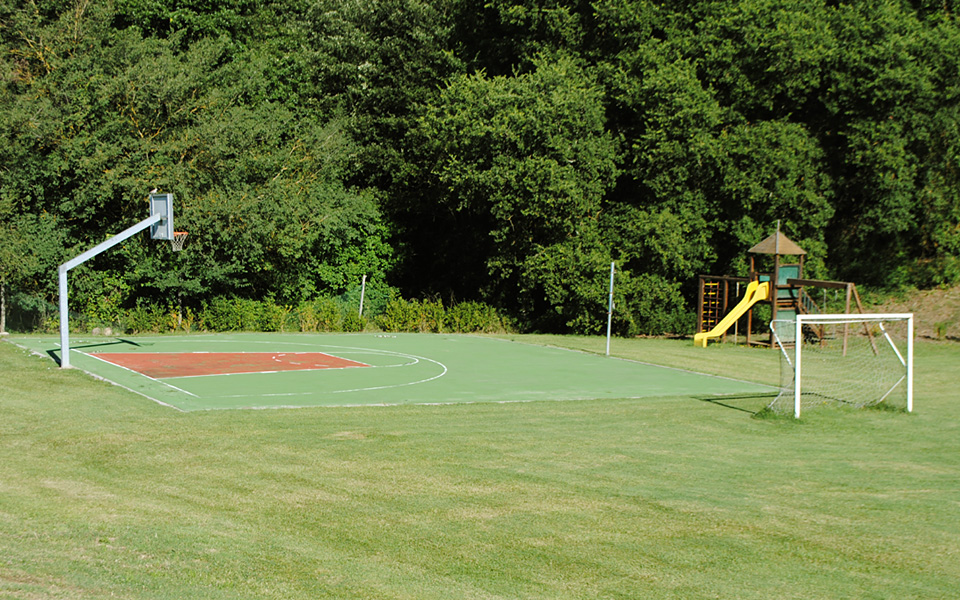 CdB - Soccer, Basketball & Playground Area